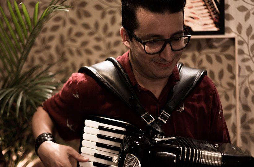 Site do músico Tiago Nepomuceno